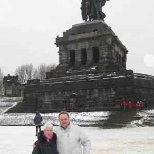 Zusammen mit meiner Mutter am Neujahrstag am Deutschen Eck ohne Hochwasser.