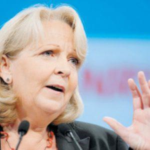 Präsentiert ihre Arbeit in rosaroten Farben: Ministerpräsidentin Hannelore Kraft. FOTO: DPA