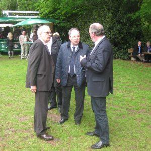 Erste Gespräche mit Bürgermeister Bernd Hachmann und Herrn Kienemann der Stadtsparkasse.