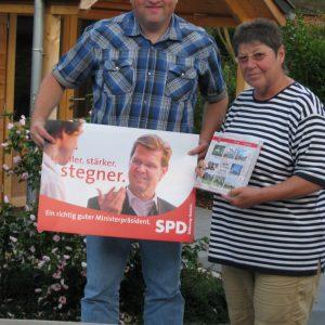 Torsten Kuhlmann bei der SPD Föhr Vorsitzende Annemarie Linneweber