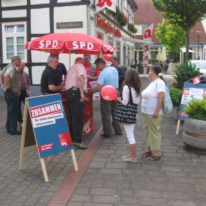 SPD Infotisch in der Rahdener Innenstadt.