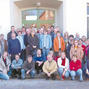 Die Teilnehmer der Dorfwerkstatt-Tagung in Pr. Ströhen mit Wolfgang Hanke und Heino Heine sowie den Pr. Ströher Ratsmitgliedern mit Ortsvorsteher Hermann Seeker.
