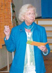 Die Präsentation der Meinungsumfrage in der Schule durch Schulleiterin Uta Hartmeier fand reges Interesse.