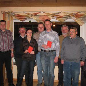 Der neu gewählte Vorstand des SPD Ortsvereines Pr. Ströhen mit den Gästen Friedrich Schepsmeier und Günter Meyer.