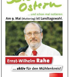 """Ernst-Wilhelm Rahe wünscht """"Frohe Ostern"""" und verteilt am Ostersamstag rote Eier in Rahden."""