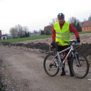 Deutliche Fortschritte beim Radwegbau in Pr. Ströhen sichtbar.