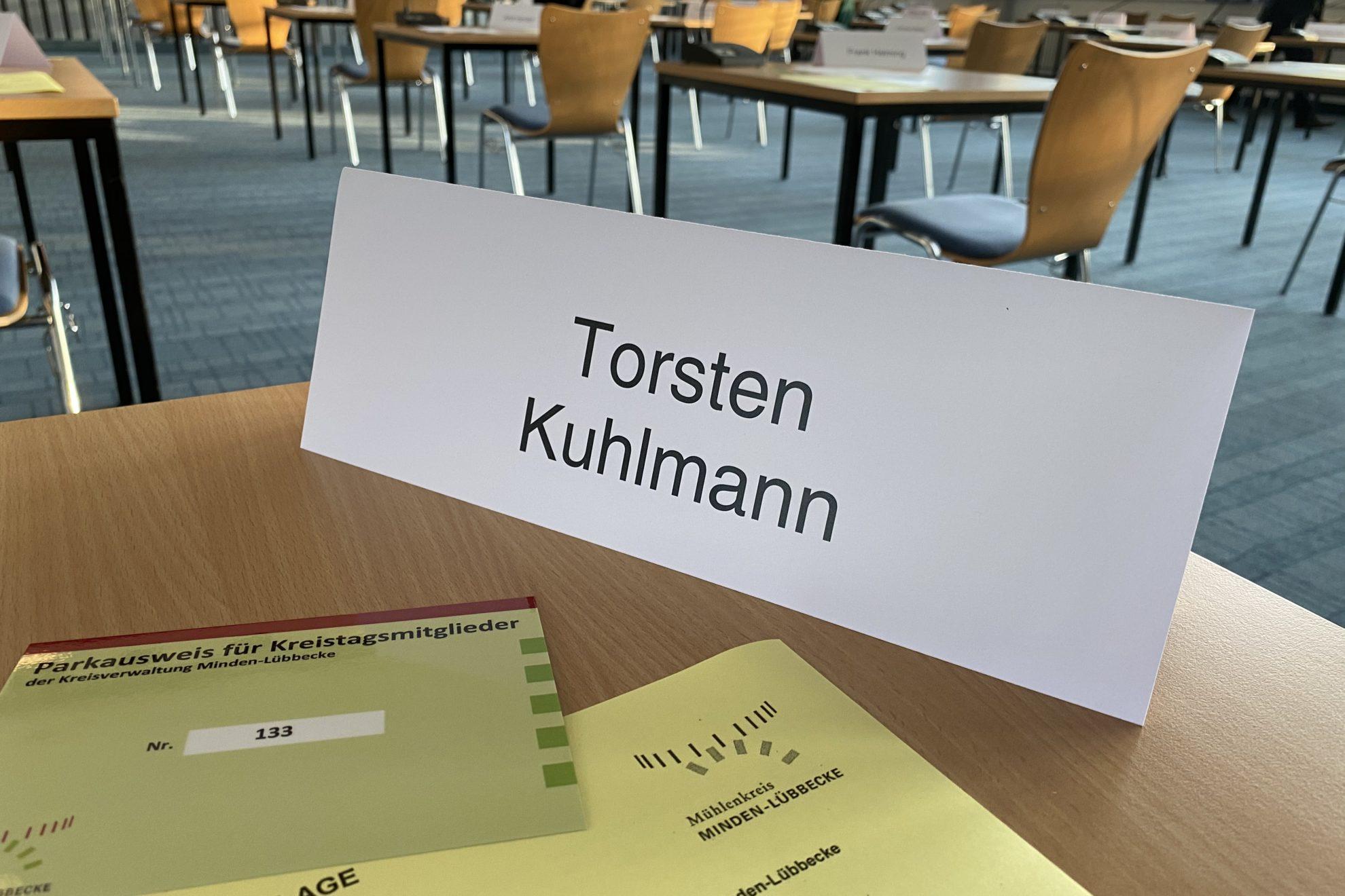 Tisch für jedes Kreistagsmitglied