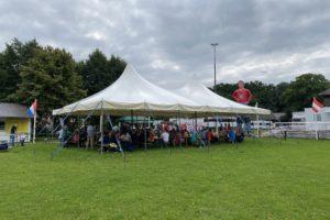 Familienfest-Zelt auf dem Tournierplatz des Tierparks